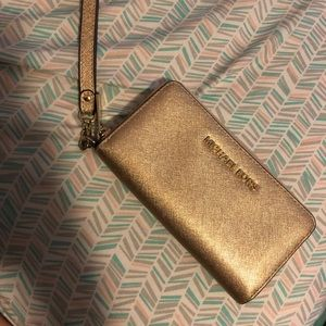 Michael kors golden wallet